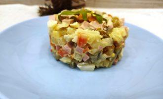 классический зимний салат Оливье