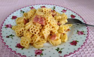 макароны с беконом и сыром