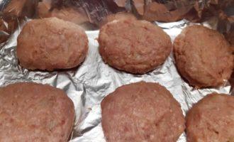 Котлеты из мясного фарша в духовке