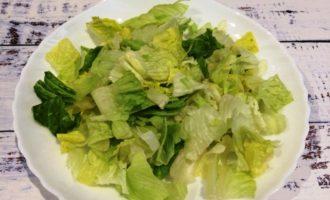 салат Цезарь с креветками простой рецепт
