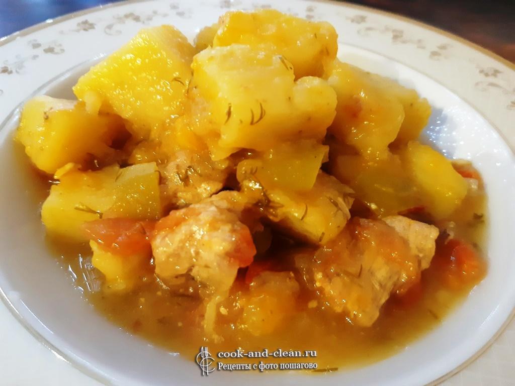 Жаркое с мясом кабачками и картошкой