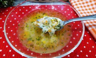 Куриный суп с поджаркой и вермишелью
