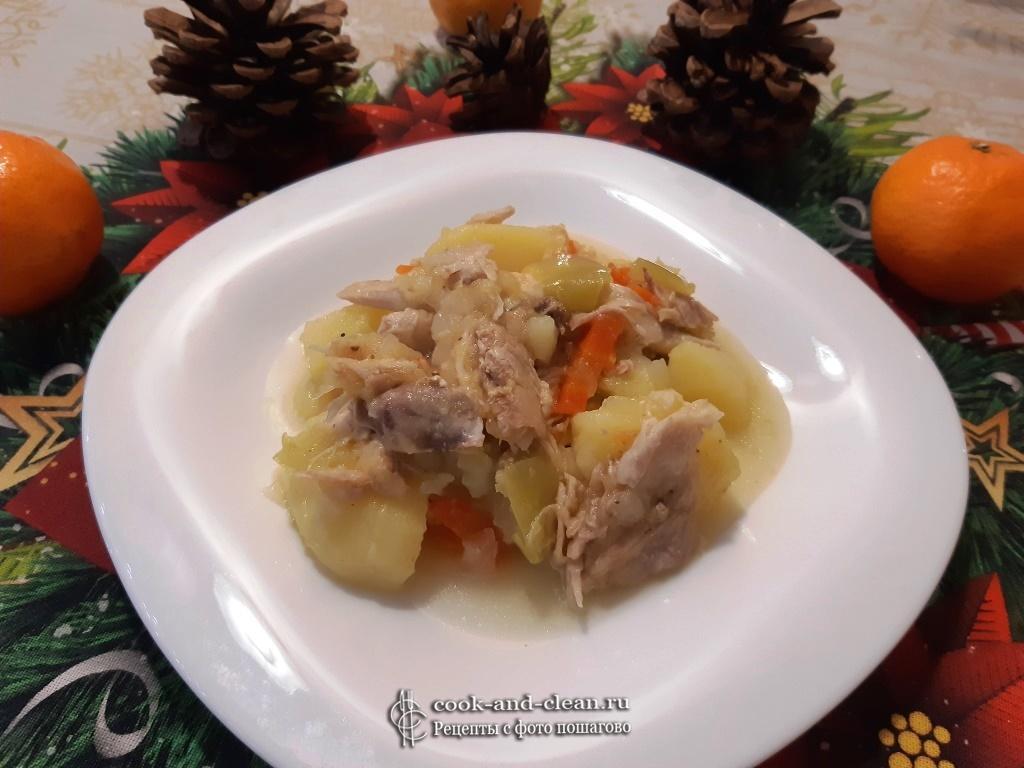 Овощная курица с кабачками