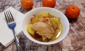 Овощное рагу с курицей и кабачками