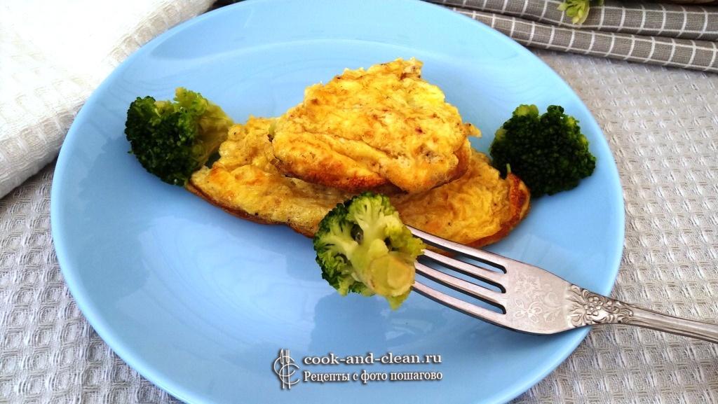 как приготовить омлет с брокколи и сыром на сковороде
