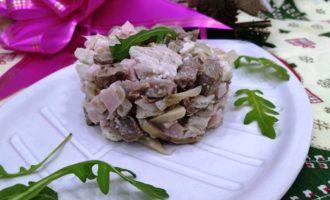 как приготовить салат с языком и грибами