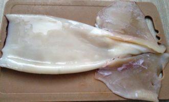 кальмары с овощами на сковороде рецепт с фото
