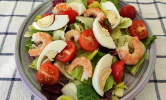 морской Цезарь с креветками рецепт с фото