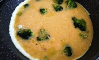 омлет с сыром и брокколи пошаговый