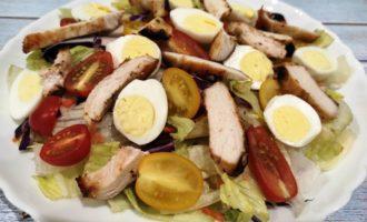 простой салат Цезарь пошагово