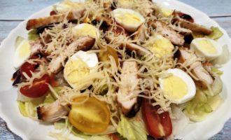 простой салат Цезарь пошаговый