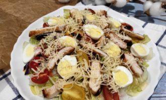 простой салат Цезарь