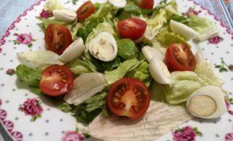 рецепт приготовления салата Цезарь с курицей с фото