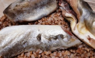 Рыба под овощами в духовке рецепт