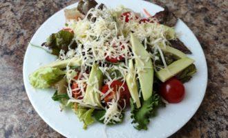 салат Цезарь вегетарианский пошагово