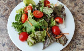 салат Цезарь вегетарианский фото