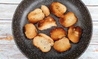 салат Цезарь с креветками и сыром пошагово