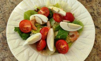 салат Цезарь с креветками и сыром рецепт с фото