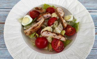 салат Цезарь с курицей и сыром классический пошаговый