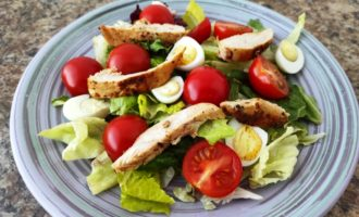 салат Цезарь с курицей классический рецепт пошаговый с фото