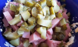 салат с ветчиной и маринованными огурцами рецепт