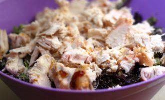 самый простой салат с курицей пошагово