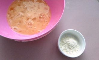 сладкий омлет на молоке пошагово