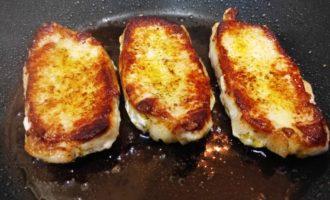 вкусный стейк из свинины на сковороде пошагово