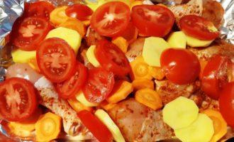 запеченные куриные голени с овощами
