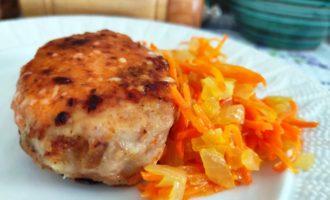 котлеты с морковью и луком