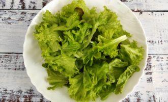 салат Цезарь с креветками классический пошагово фото