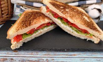 сэндвич с соленым лососем пошаговый
