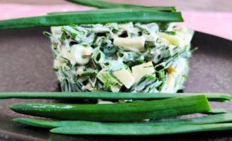 как приготовить салат из огурцов и зеленого лука