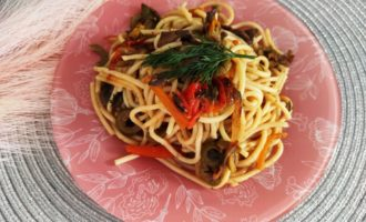 как приготовить спагетти с шампиньонами на сковороде