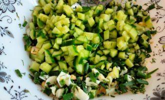 салат из огурцов и зеленого лука пошагово